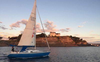 Santander despide a los peregrinos por mar con un amanecer inolvidable