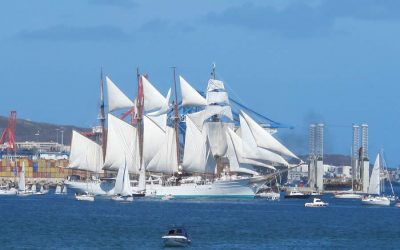 Los participantes en la ruta jacobea por mar, «Navega el Camino», escoltarán este martes al 'Juan Sebastián Elcano'