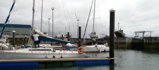 Un velero con rumbo a la Compostela